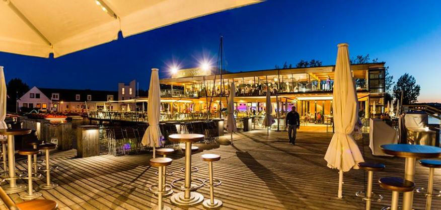 Beispiel: Terrassenbereich, Foto: Seerestaurant Katamaran.