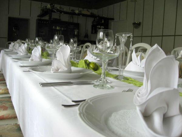 Beispiel: Tischgedeck, Foto: Restaurant Rosenhof.