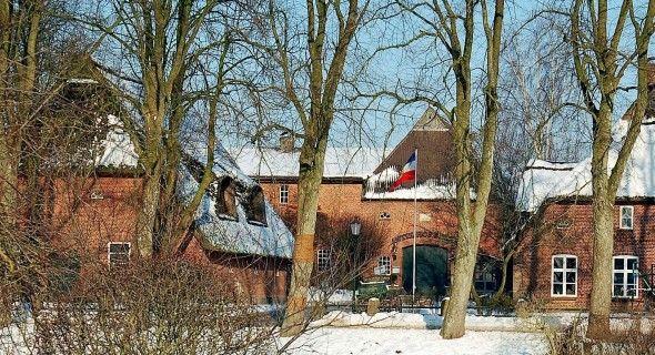 Beispiel: Hof im Winter, Foto: Antik-Hof Bissee.