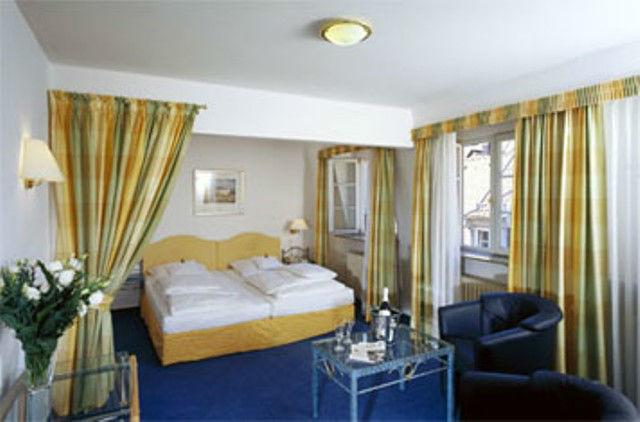 Beispiel: Hotelzimmer, Foto: Hotel Zum Ritter St. Georg.