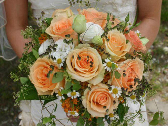 Beispiel: Hochzeitsfloristik, Foto: Blütenraum.