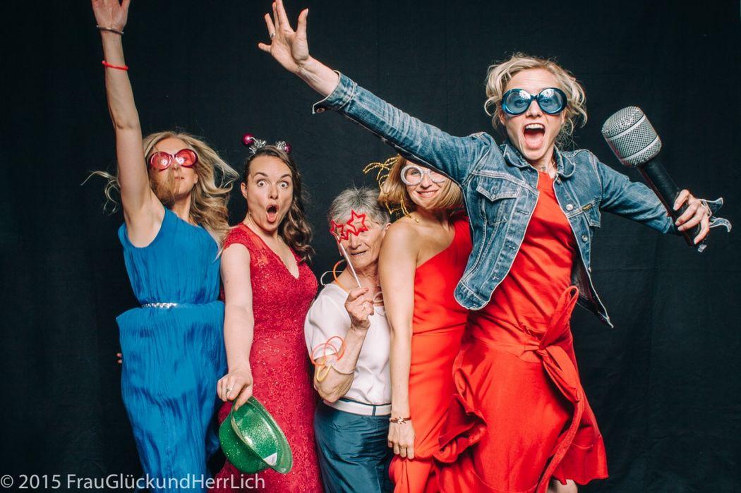 Photobooth Spaß-Entertainment für die Hochzeit