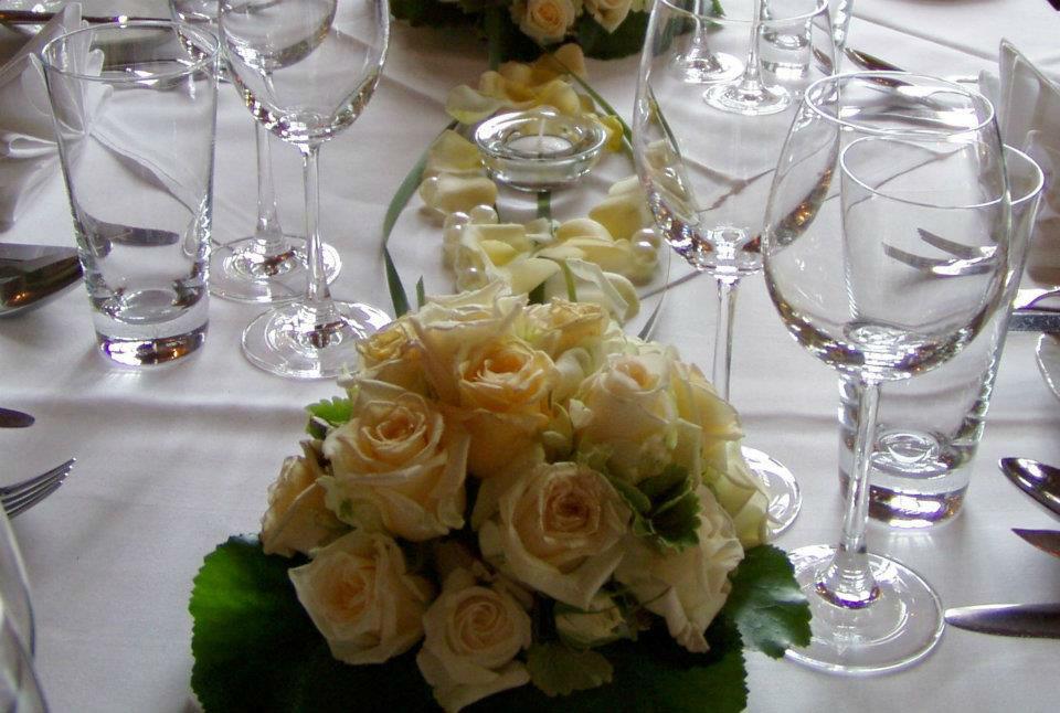 Beispiel: Blumenschmuck - Tischdekoration, Foto: Italienisches Dörfchen.