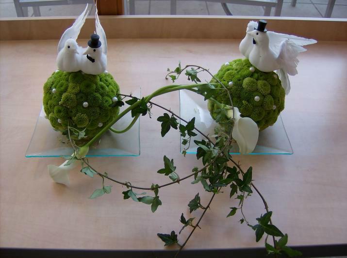 Beispiel: Tischschmuck, Foto: Blumen Schuster.