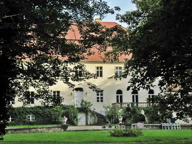 Beispiel: Schloss mit Garten, Foto: Schloss Blankensee.