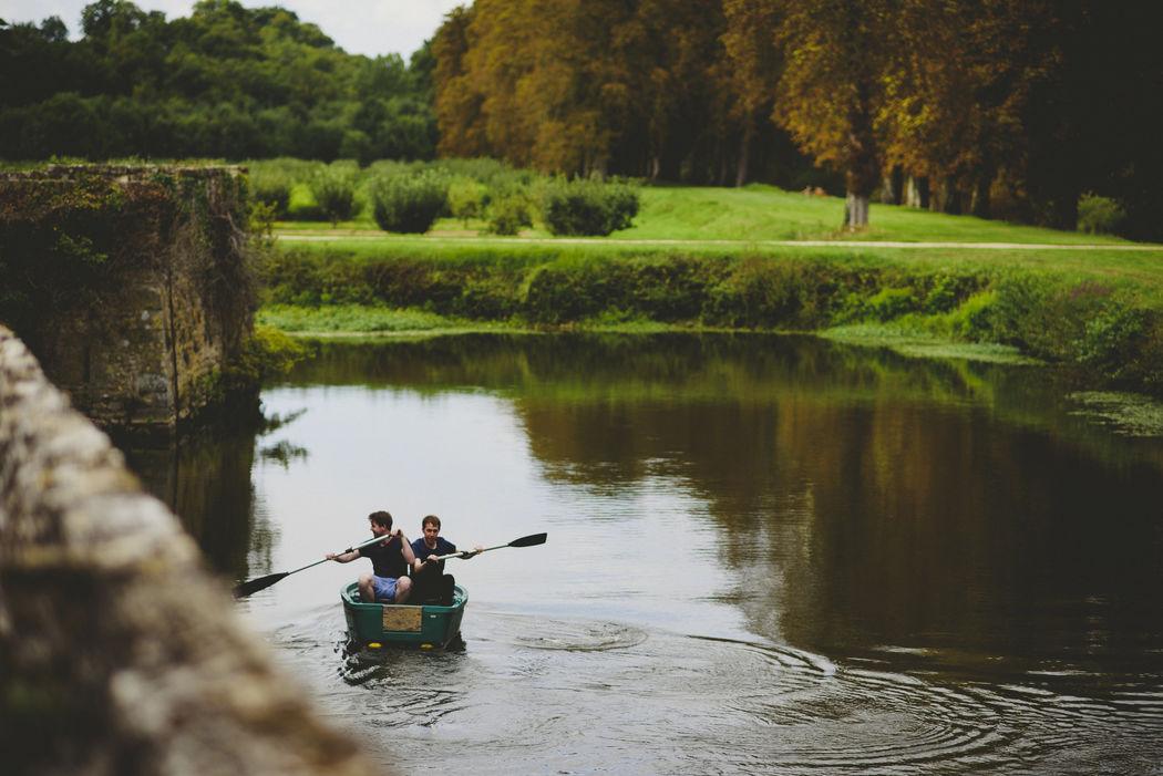 Balade en barque sur les douves