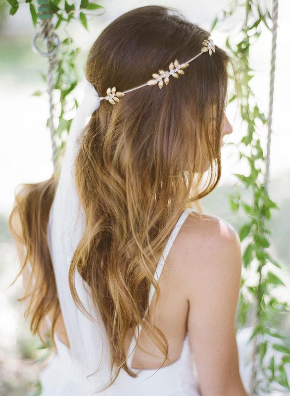Couronne Muscari  sobre avec ruban à nouer style voile de mariée