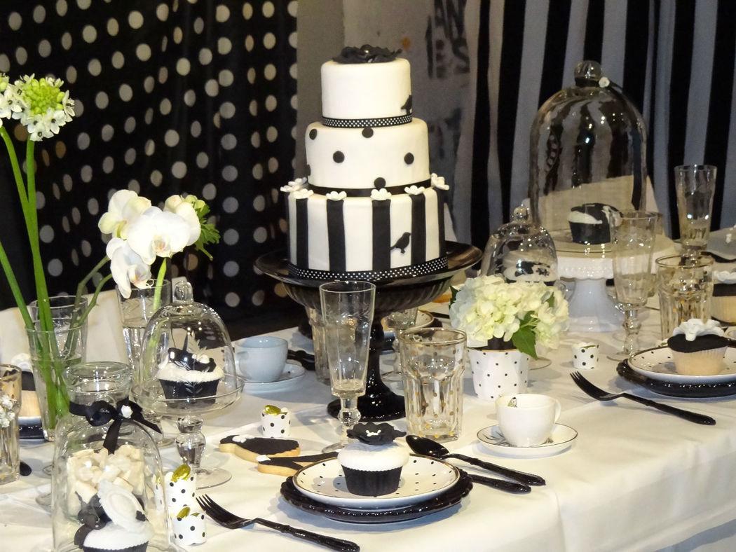 Tischdekoration Black and White