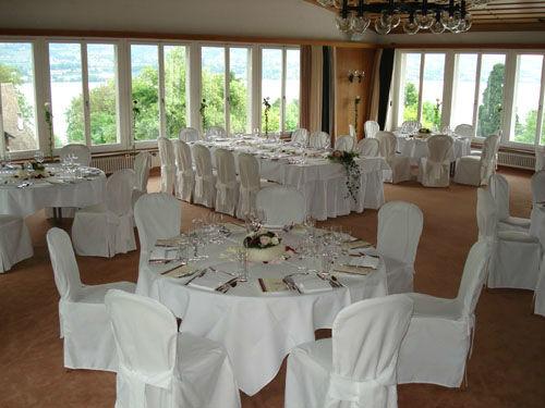 Beispiel: Hochzeitsgedeck, Foto: Halbinsel Au.