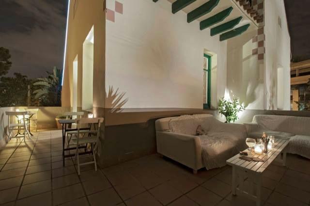 Terraza. Primera Planta Los invitados que se encuentren en la Primera Planta podrán acceder a la terraza y disfrutar de la maravillosa panorámica que les ofrece la casa.