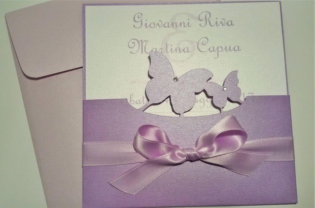 Invito Nozze - viola e glicine tema farfalle
