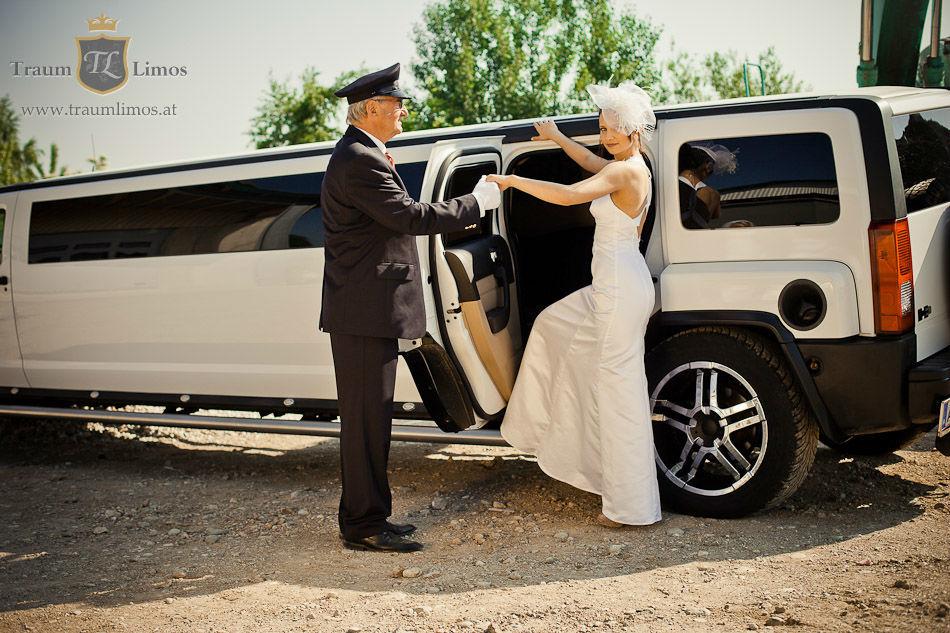 Beispiel: Chauffeur-Dienst, Foto: Traumlimos.