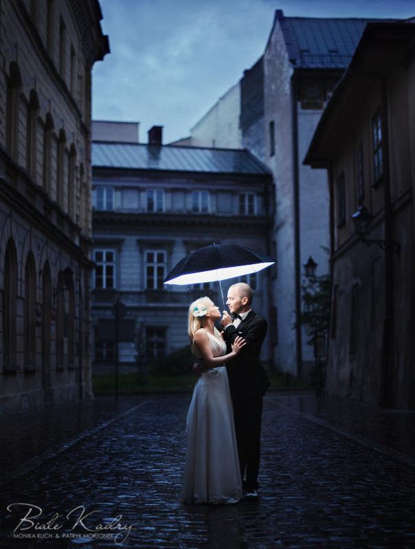 Kreatywne zdjęcia ślubne Kraków Białe Kadry