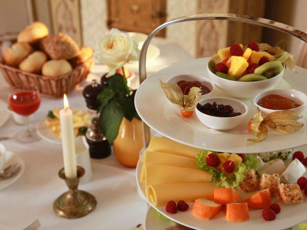 Beispiel: Buffet, Foto: Schloss-Hotel Kittendorf.