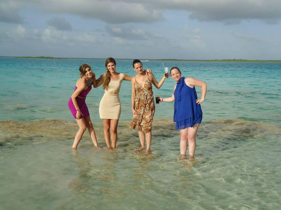 Sus invitados  disfrutsran del Jardin y de la Laguna al mismo tiempo , unicamente en Paraiso Bacalar !
