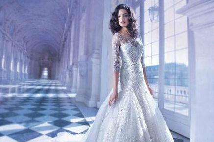 Beispiel: Glamouröses Brautkleid, Foto: Brautmode Milojka.