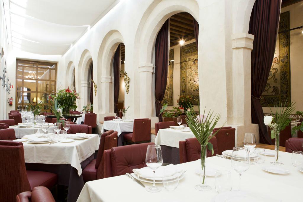 Restaurante Claustro de San Antonio El Real.