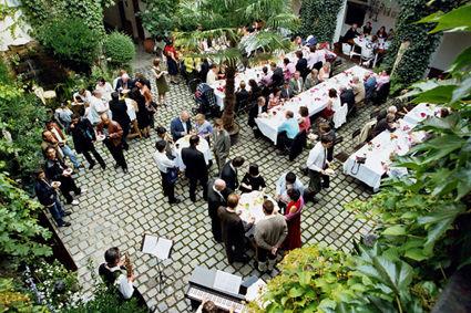 Beispiel: Fest im Innenhof, Foto: Schloss Ratzenhofen.