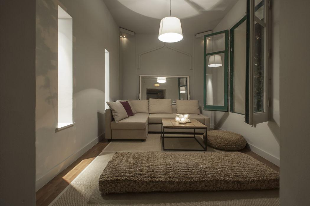 El Saloncito o Salón Privée.  Situado en la Planta Baja, perfecto para los invitados  que deseen degustar una copa en un ambiente más relajado.