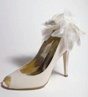Buty ślubne z salonu Ślubne Stylizacje