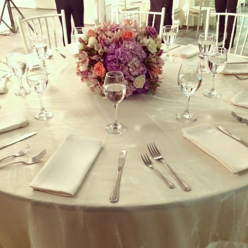 Variedad de decoraciones florales de acuerdo al gusto de cada cliente.