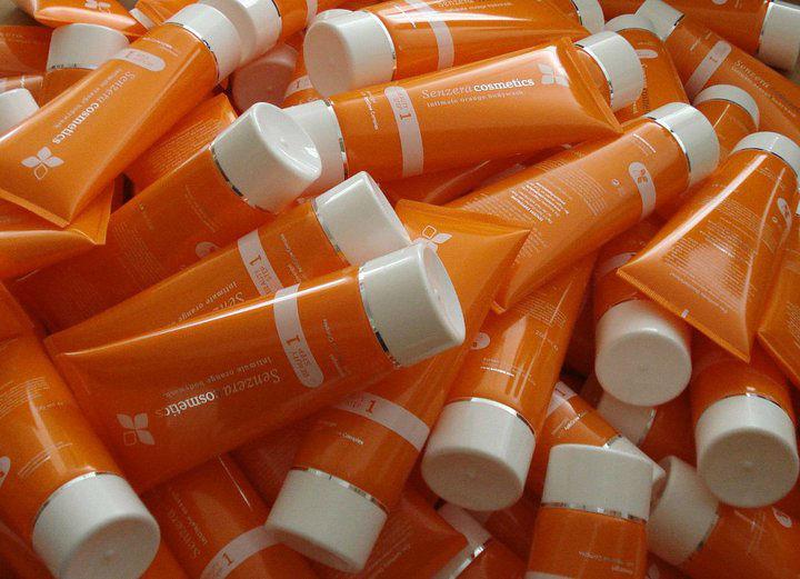 Beispiel: Eigene Kosmetikprodukte, Foto: Senzera.