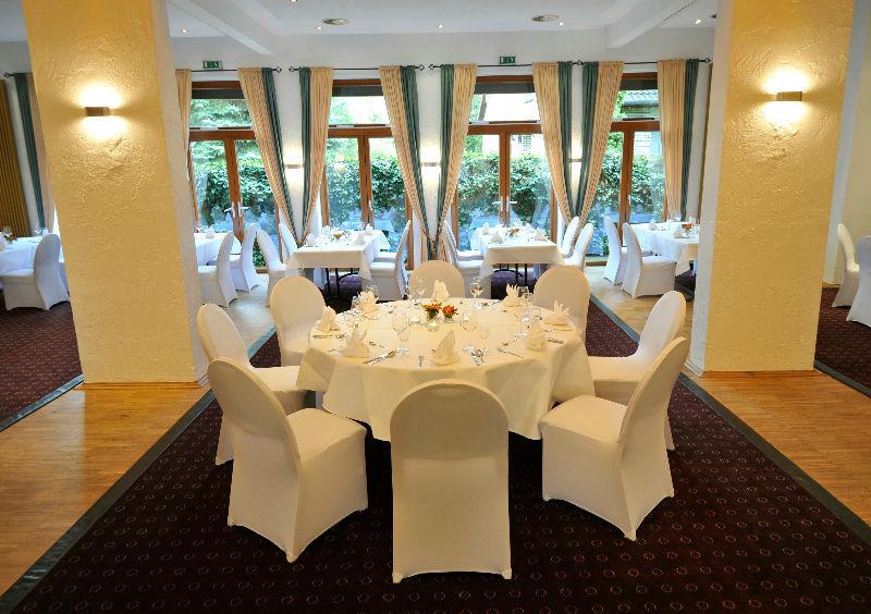 Beispiel: Bankett - runder Tisch, Foto: Borgfelder Landhaus.