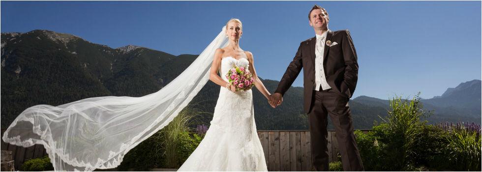 Beispiel: Portrait des Brautpaares, Foto: Nina Hintringer Photography.