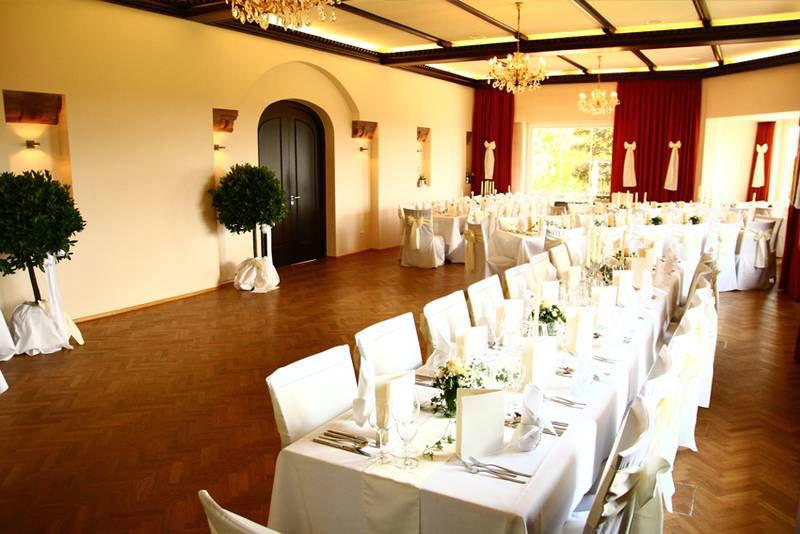 Beispiel: Hochzeitstafel, Foto: Waldhotel Zollernblick.