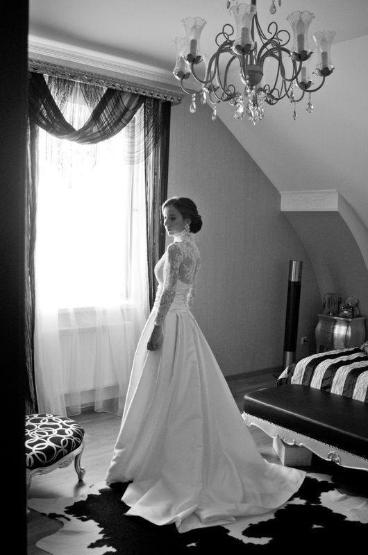 Свадебный бутик I DO невеста в свадебном платье от Patricia Avendano, Испания