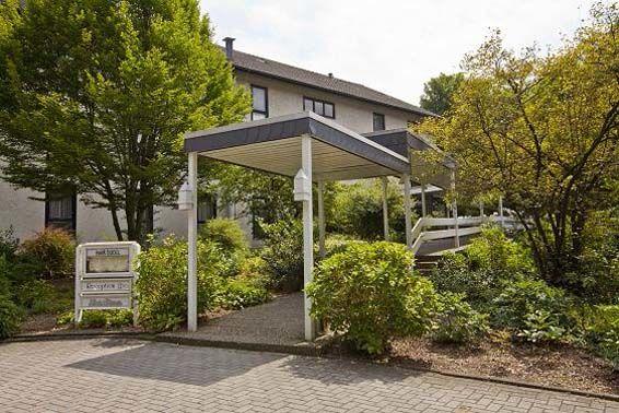 Beispiel: Eingang, Foto: Parkhotel am Heger Holz.