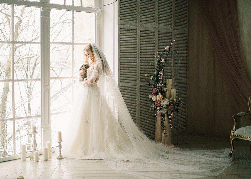 Роскошное свадебное платье Dalia цвета айвори,выполненное из фатина, расшитое красивыми кружевами 3D выглядит очень романтично и изысканно. Красивый нежный цвет платья, айвори и открытые плечи сделают образ невесты утонченным и подчеркнут все достоинства фигуры. Свадебное платье Dalia торговой марки Boudour-Wedding понравится любой невесте, дизайнеры разработали удачную модель по последним тенденциям и направлениям современной моды. Нежное и легкое платье выполнено в романтическом стиле.