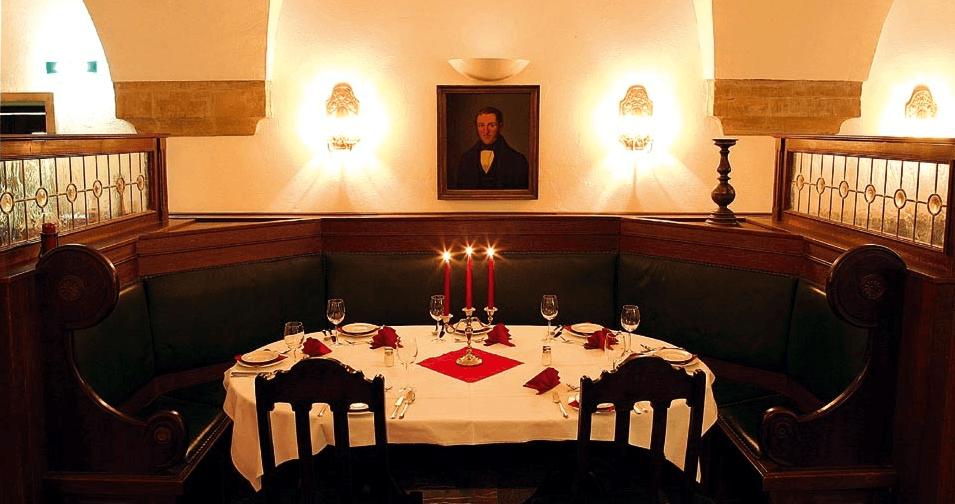 Beispiel: Tischdekoration, Foto: Ratskeller Magdeburg.