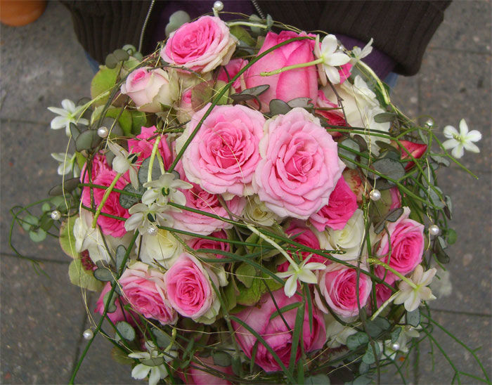 Beispiel: Brautstrauß in Rosa, Foto: Floristeria.