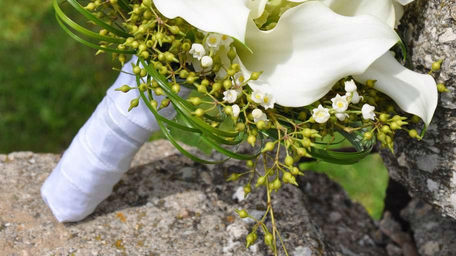 Beispiel: Hochzeits-Bouquet mit weißen Orchideen, Foto: Blumen Isabella.