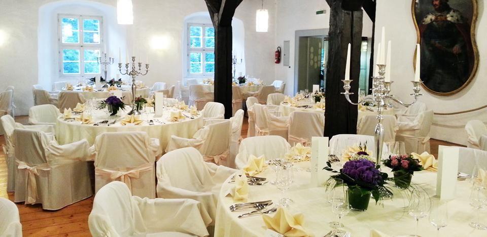 Beispiel: Tischdekoration, Foto: Englischer Hof.