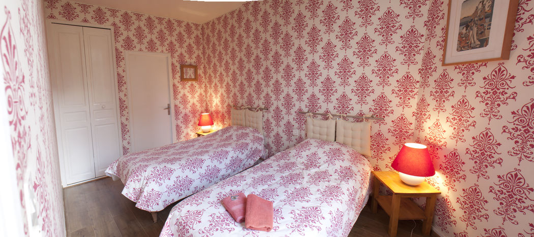 Gîte Little  5 chambres Chambre rouge