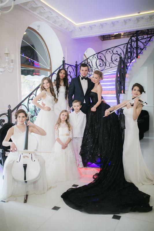 белая скрипка и белая виолончель - встреча молодожён