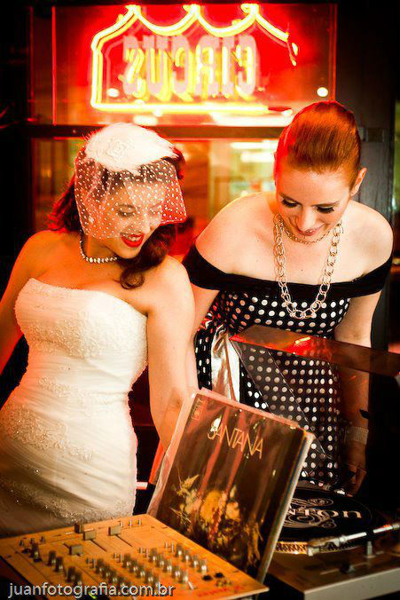 Noiva Carol Furlan. Detalhes (Crédito: Juan Fotografia)