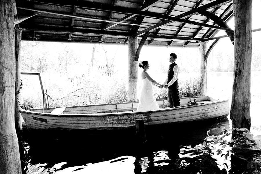 Beispiel: Romantische Hochzeitsfotos, Foto: Sandra Stamm Fotografie.