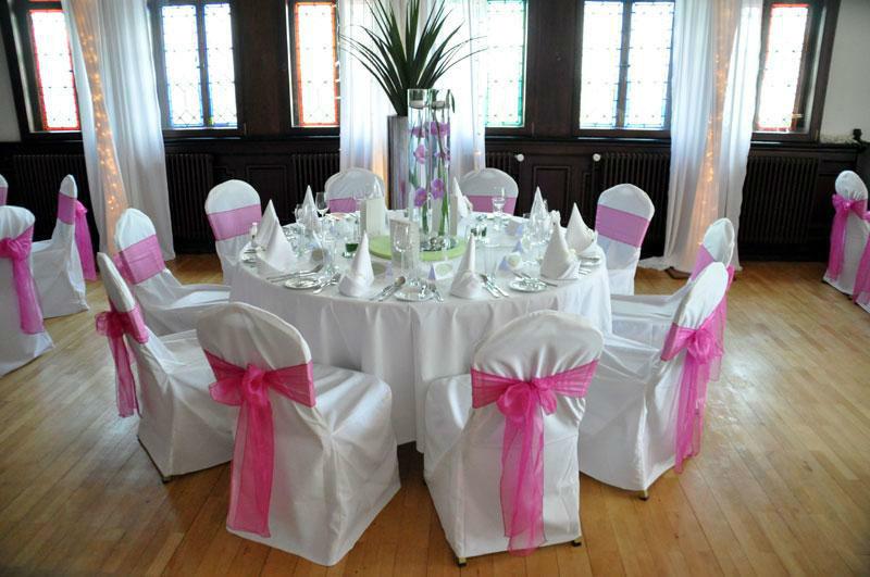 Beispiel: Hochzeitsbankett, Foto: Burgrestaurant Burg Gleiberg.