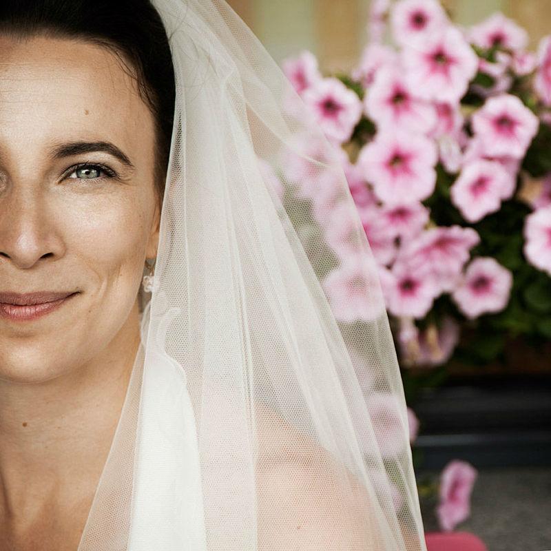 Beispiel: Make-up für die Braut, Foto: B-Artists.