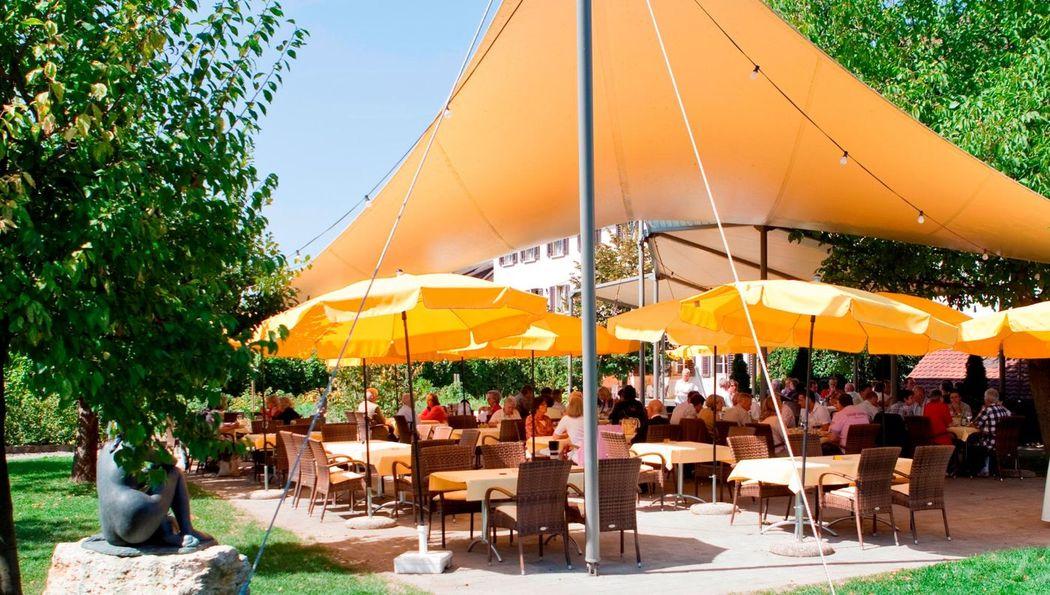 Beispiel: Terrasse / Garten, Foto: Hotel Kloster Dornach.