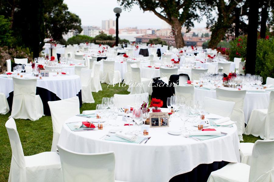 Banquete en blanco y rojo