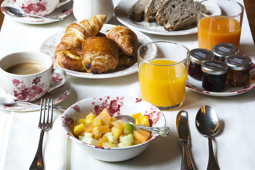 Le petit-déjeuner en chambre
