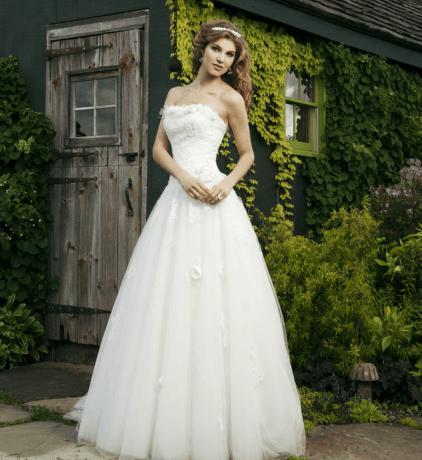 Beispiel: Wunderschöne Brautmode, Foto: La Diva Brautmoden.