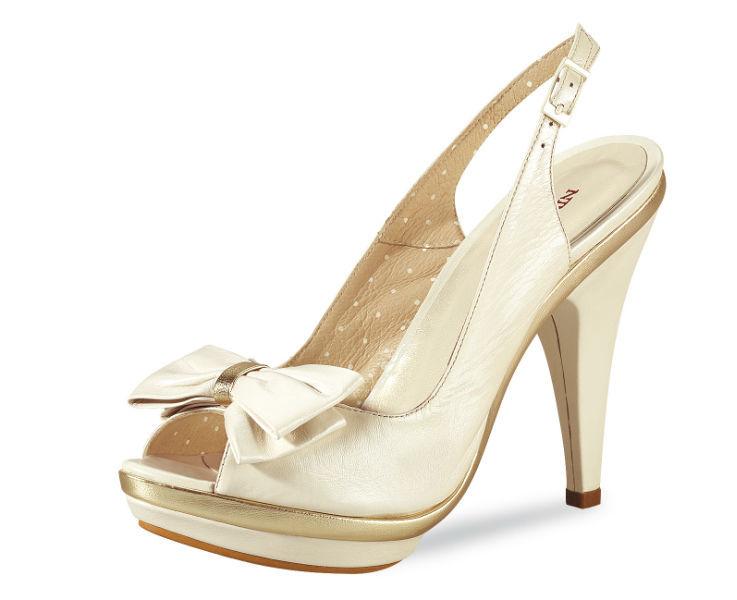 Beispiel: Schuhe, Foto: BRAUTKULTUR.