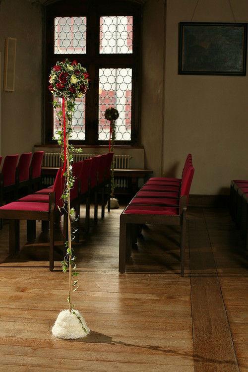 Beispiel: Dekoration der Kirche, Foto: Edelkraut Event-Floristik.