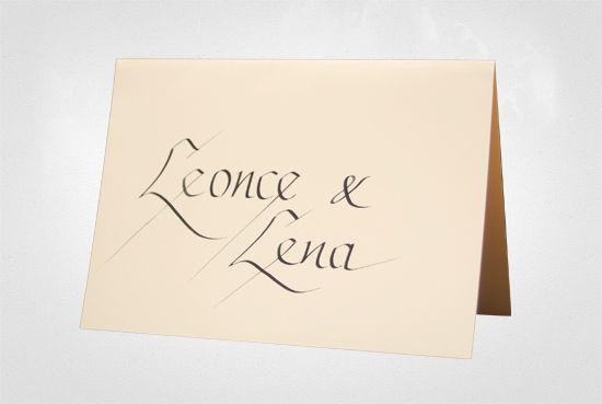 Beispiel: Tischkärtchen mit schöner Calligraphy, Foto: Event Calligraphy.