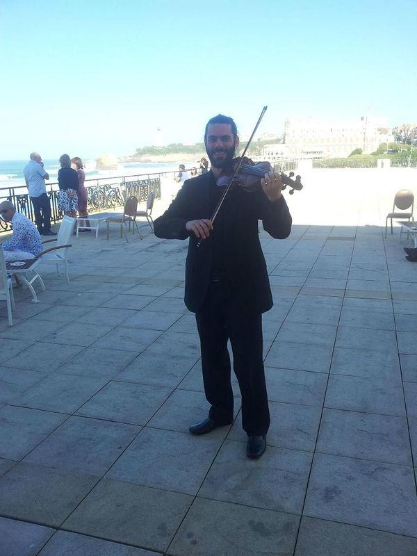 Violin solo en Evento Casino de Biarritz, Francia